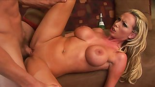 Very Hottie Blond Milf Nikki Benz Rides A Big  - nikki benz