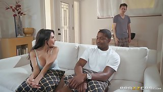 Naughty latina vixen Lela Personality has sex relaxation with Isiah Maxwell