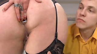 Meaty cougar wedges brown sphincter with bang-out fucktoy and deepthroats youthfull manstick freeporn