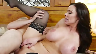 Stepmom Kendra zeal flashes Say no to stunning pantyhose porntube