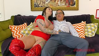 Lucky old guy slides his prick in wet pussy of glamour Tallulah