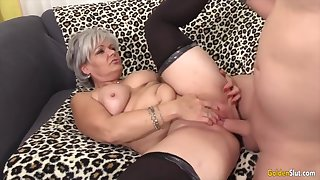 Sexy elderly woman taking hard dicks in their mature pussy and find worthwhile getting fucked good
